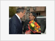 Flowers and challenges for Condoleezza Rice in Moscow
