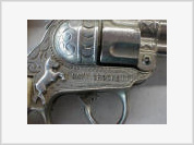 Congressman Henry Waxman calls for action over problems with criminals using fake gun dealer license