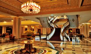 One of world's most luxurious hotels being looted in Turkey