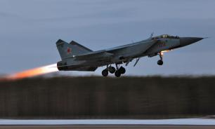 Russian MiG-31 shoot down cruise missile in stratosphere