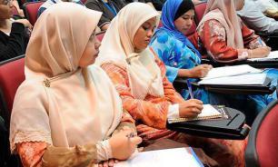 Young Muslim students threaten to behead their teacher in Australian school