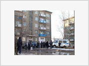 Half-Naked Black Prostitute Falls Out Of Window in Moscow