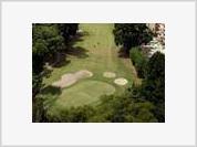 Venezuela: Chavez's government protects private golf courses