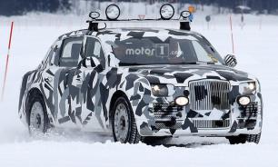 First photos of Putin's secret limousine unveiled