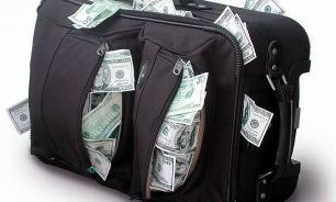 Airplane passenger forgets bag with two million rubles inside