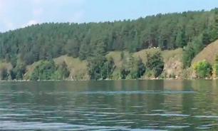 Man captures unknown monster on camera while kayaking on Chelyabinsk lake
