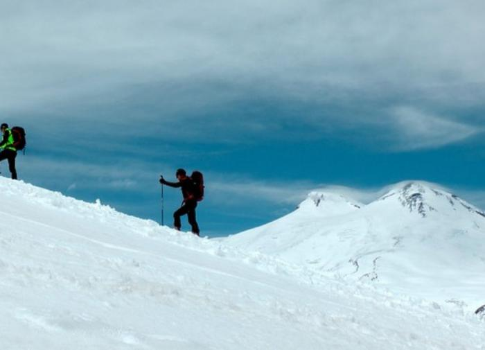 Five tourists die in storm on Mount Elbrus, 14 others rescued