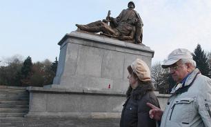 Russia to punish Poland for decommunization