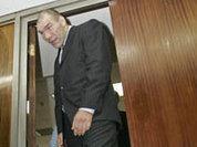 Boxer Nikolai Valuev too big for all ice holes
