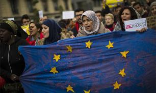 Spain faces choice: €4bln fine or 16,000 migrants