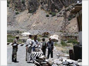 Russia gives up Afghan border control in Tajikistan
