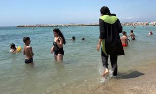 Burkini warfare: Muslim swimwear banned in Spanish waterpark