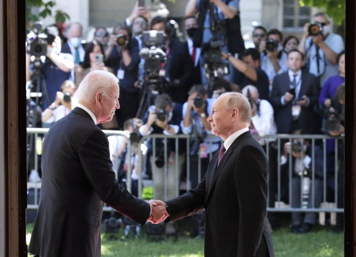 Kremlin stands up to defend Biden's sanctions against Russia