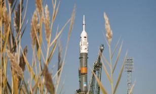 Lightning strikes Soyuz booster rocket after launch