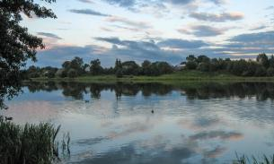 Russia gives Sweet Lake to Kazakstan, but keeps Bitter Lake