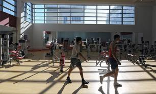 Student breaks his neck during PE class. Video