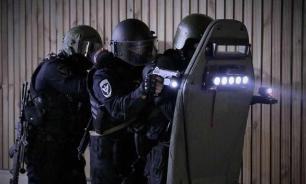 Russian Guard to see enemies behind walls