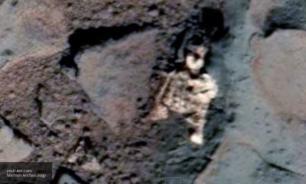 Dead alien found on Mars