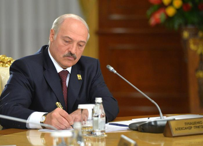 Belarus President extends prison terms for public meetings and extremism
