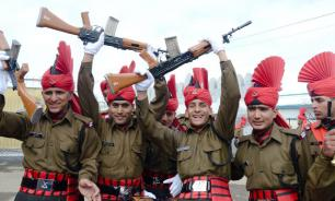 India and Pakistan Itching for Showdown on Kashmir