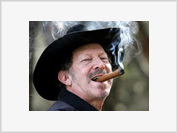 Dissident Kinky Friedman - Just What America's Delusional Democracy Needs