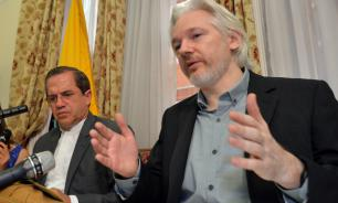 Assange ready to surrender to US