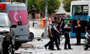 Istanbul explosion: Terrorists target police, 11 killed
