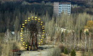 Chernobyl's Ferris wheel starts turning