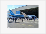 Boeing to deliver Dreamliner in late 2008 as scheduled
