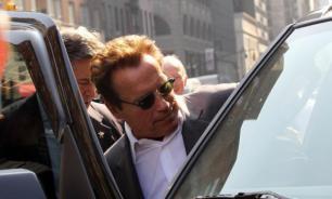 Arnold Schwarzenegger receives fully electric Mercedes-Benz G-Wagen