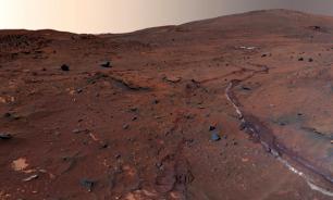 NASA unveils photos of gigantic natural walls on Mars