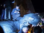 In Ukraine, when autumn comes, Lenin statues fall