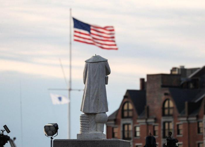 What prompts Americans to remove monuments?