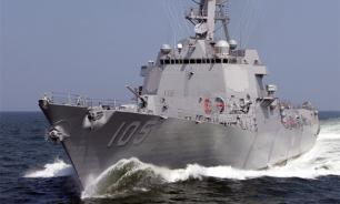Chinese warships chase US destroyer out of Chinese waters