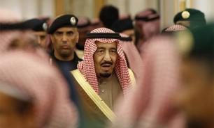 Saudi King books all of Ritz-Carlton Moscow, but his escalator breaks