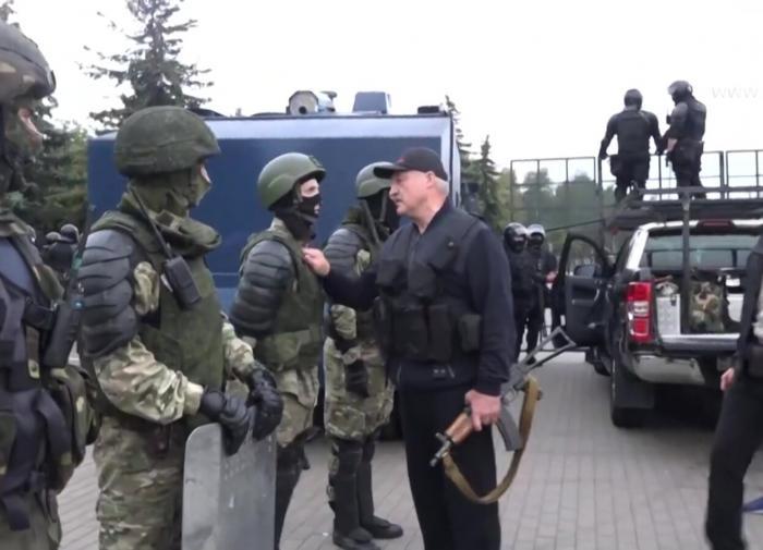 Lukashenko with a Kalashnikov in public: A revolting stunt