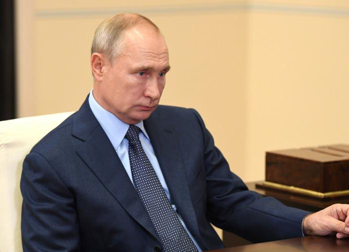 Putin says Russian police ready to help Belarus in resolving the crisis