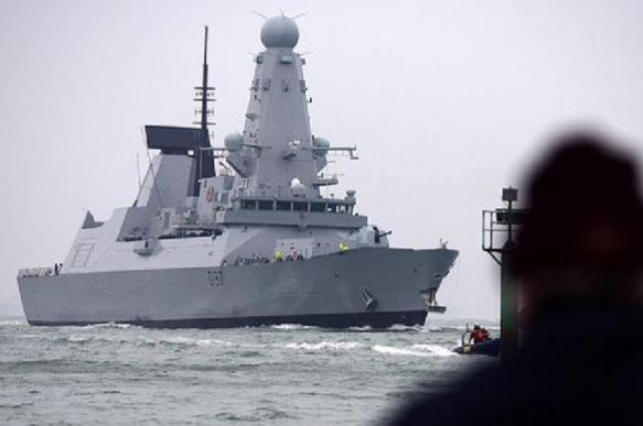 NATO warships looking for opportunity to break Crimea's defence