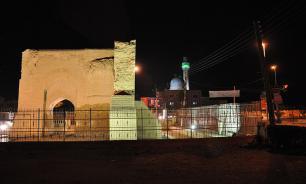 Raqqa begins to fall