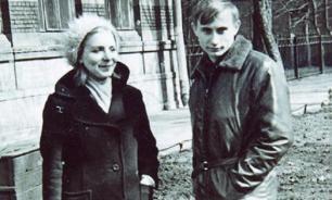Putin's teacher of German robbed after death