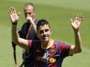 Barcelona thrashes and overtakes Real Madrid