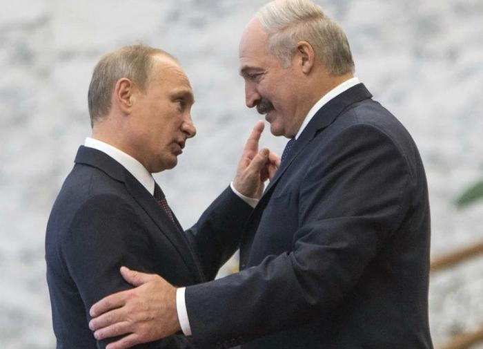 Putin supports Lukashenko and gives him .5 billion