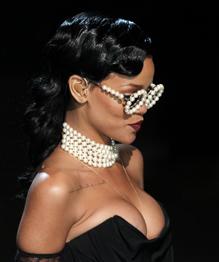 Rihanna joins Victoria's Secret Angels