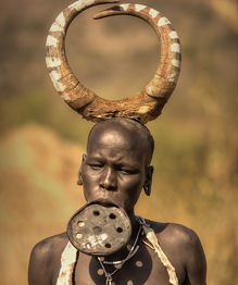 Women of the Mursi tribe and their taste for beauty