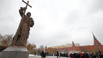 Russian President Vladimir Putin has led ceremonies launching a large statue outside the Kremlin to a 10th-century prince of Kiev who is credited with making Orthodox Christianity the official faith of Russia, Ukraine and Belarus. Prince Vladimir, also known as Vladimir the Great, chose Orthodox Christianity for the medieval kingdom of Kiev Rus