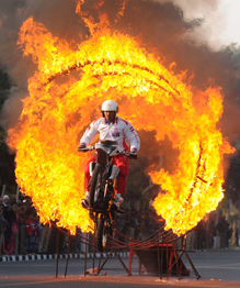 Indian army has daredevil motorcycle riders