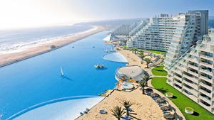 World's largest swimming pool