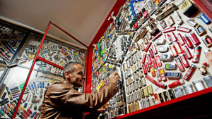 3,900 lighters in one pub