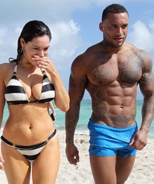 Kelly Brook shows her zebra bikini
