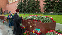 In Alexandrovsky Garden, flowers and wreaths were laid to the Grave of the Unknown Soldier in Moscow, near the Kremlin walls. The ceremony was conducted to mark the 69th anniversary of Victory in реу Great Patriotic War